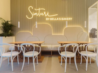 Simturi by Bella's Bakery, design Grosu - Craiova, Romania
