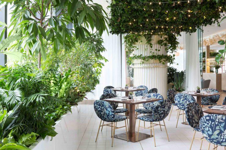 the-botanist-restaurant-fairmont-hotel-ste-marie-interiors-vancouver-canada_dezeen_2364_col_5-740x493